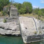 """τα """"μεσογέφυρα"""", όταν ο Αώος ποταμός είναι ήρεμος"""